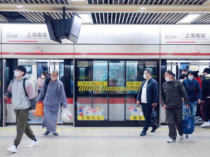 Loudspeakers to be banned in Shanghai metro