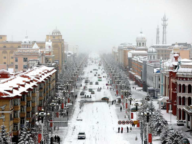 Chinese border city sees heaviest snowfall this autumn