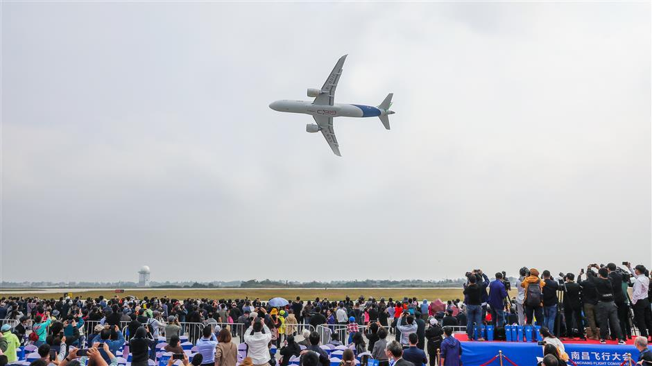 Chinese-made airliners showcased at air show
