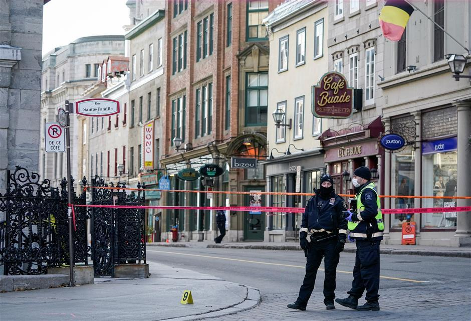 2 killed in Halloween sword rampage in Quebec