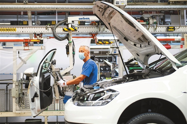 Eurozone factories boom as Germany roars: PMI