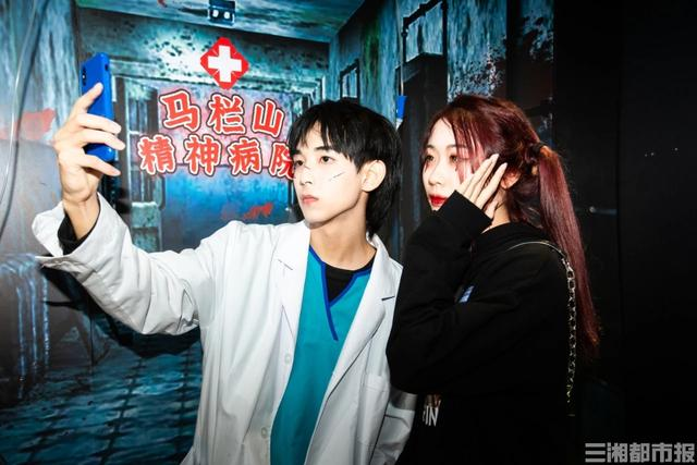 Immersive puzzle-solving adventures lead new trend in China