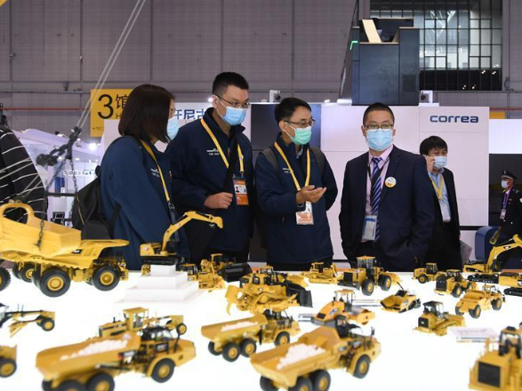 Technical equipments shine at 3rd CIIE exhibition in Shanghai