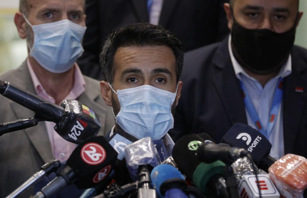 "Maradona ""very well"" following brain surgery, says doctor"