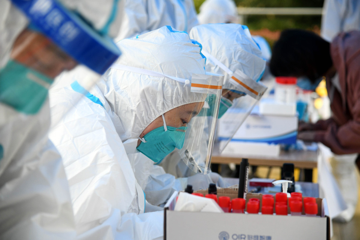 Chinese mainland reports 33 new confirmed COVID-19 cases