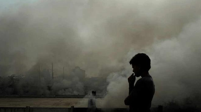 Delhi suffers 'severe' air pollution for third straight day