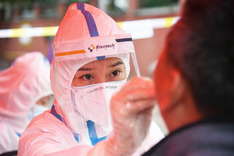 8,717 close contacts linked to Shanghai's latest COVID-19 case tested negative