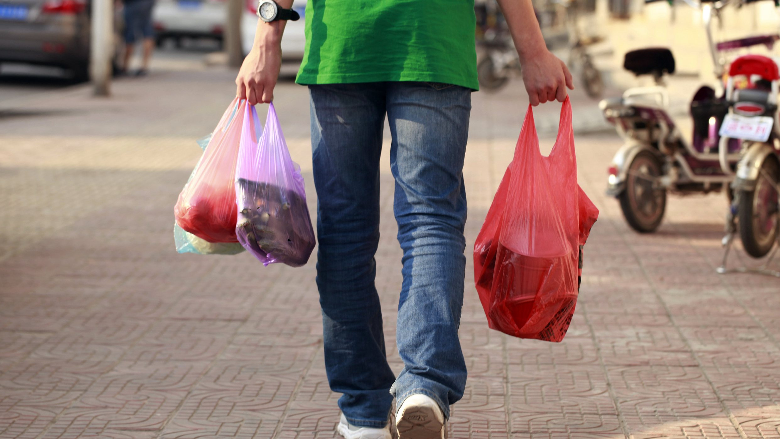 Beijing going green: Public advice sought on plastic ban