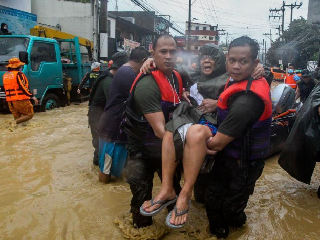 Typhoon Vamco triggers flooding in Philippine capital, provinces