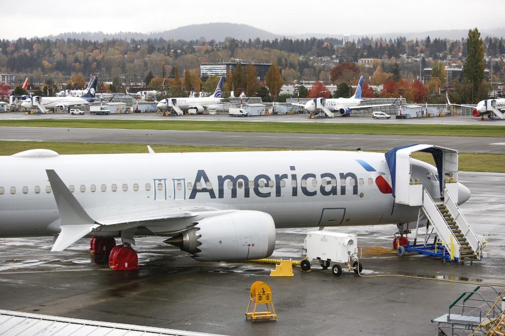 US airlines to end year with 90,000 fewer workers