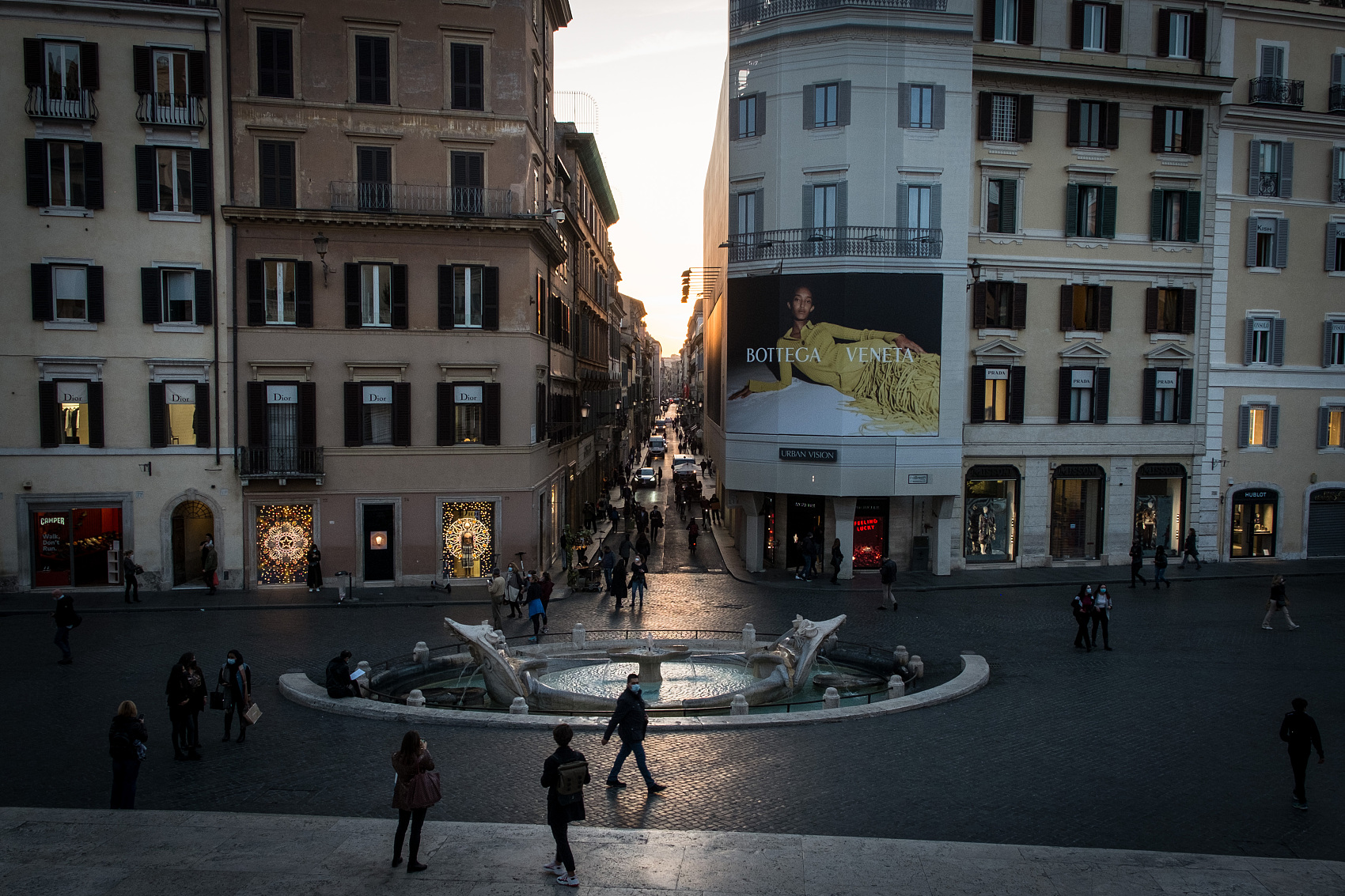 One pandemic, two cultures -- Chinese writer in Rome reflects on her experiences