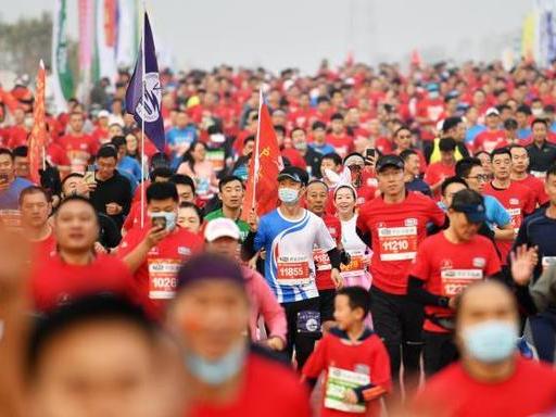 Over 3,000 run in Shijiazhuang Marathon