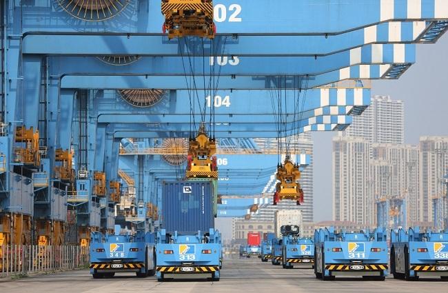 Qingdao Port smart system a world first