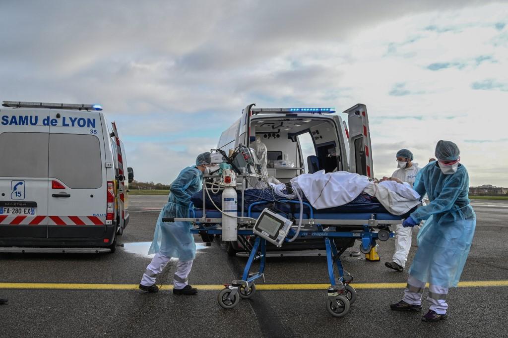 Global COVID-19 cases surpass 55 mln -- Johns Hopkins University