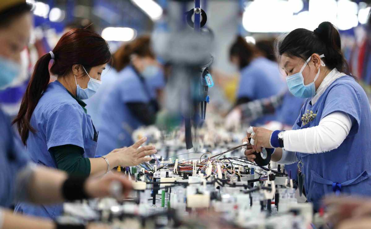 Li stresses role of domestic market vitality