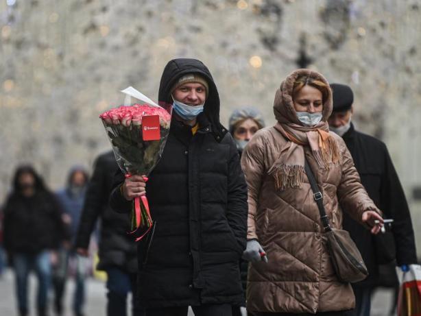 Russian COVID-19 cases top 2 mln
