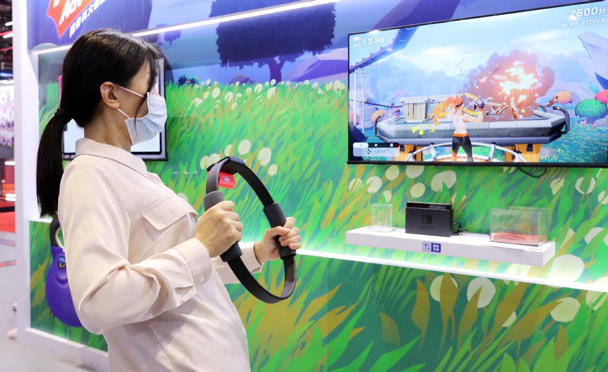 Li stresses key role of consumers