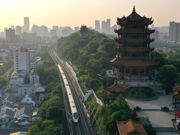 China's Hubei sees tourism boom in autumn, winter