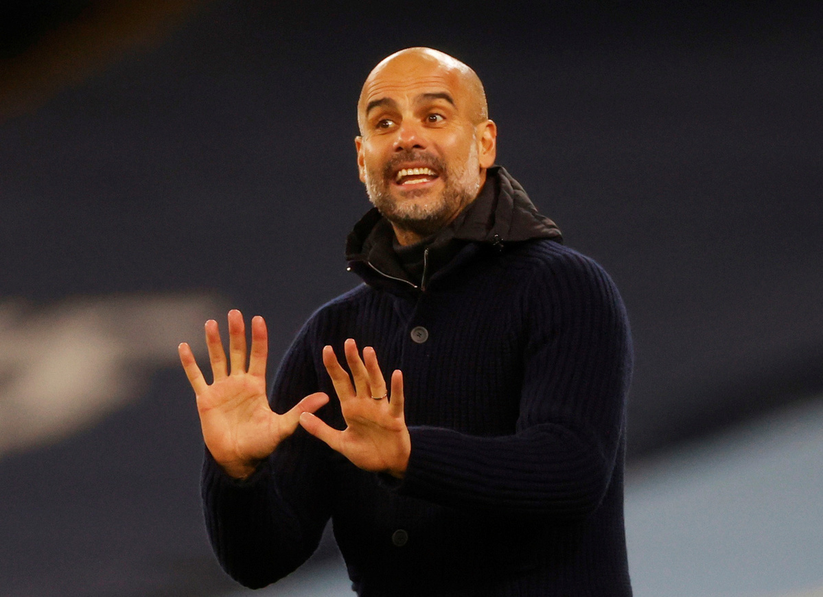 Guardiola extends contract with Manchester City