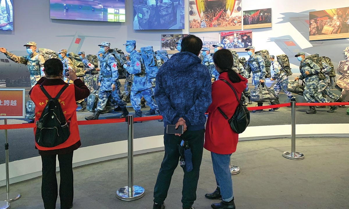 Exhibition shows Wuhan's resilience in darkest days