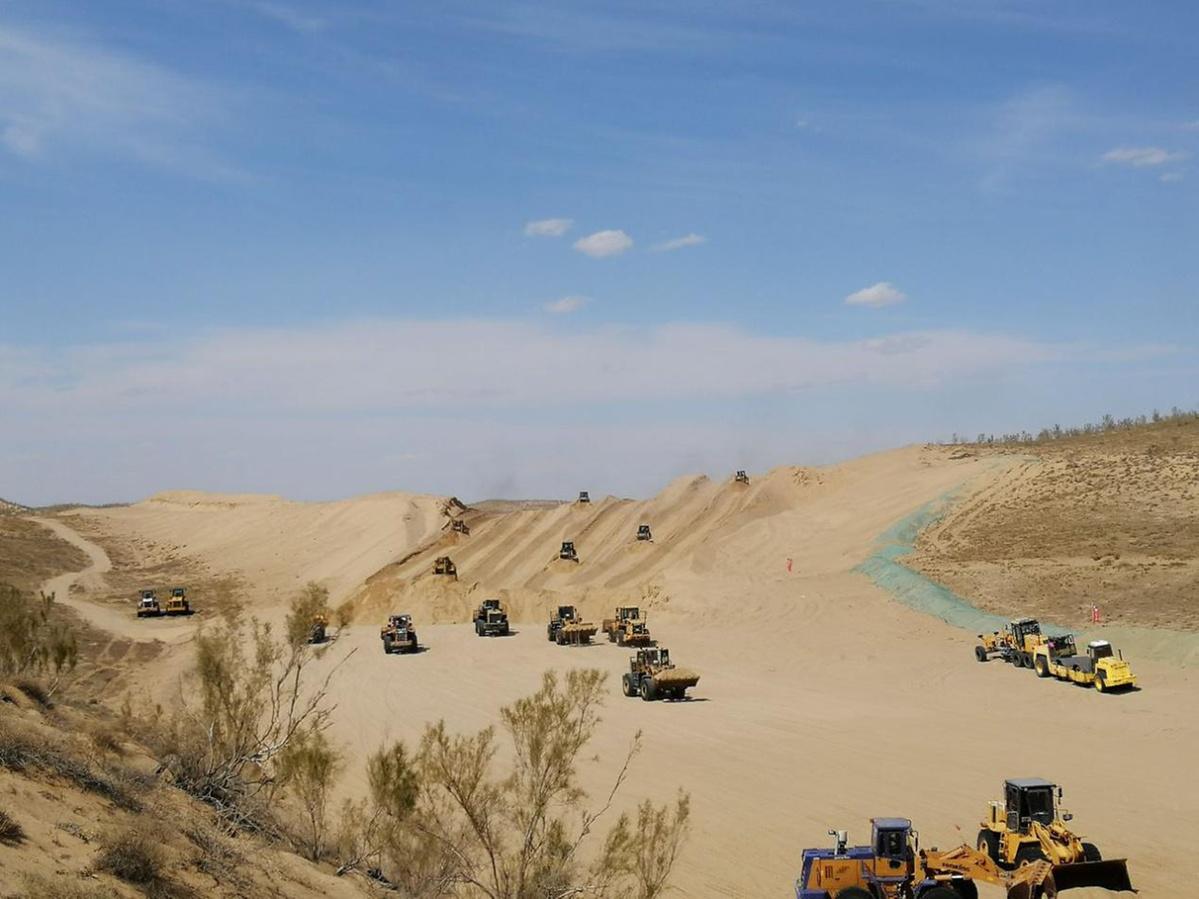 In Xinjiang, expressway pushes ahead