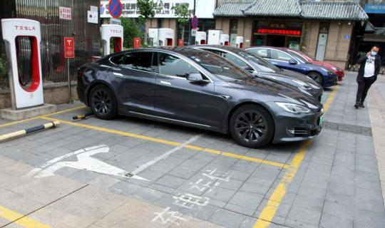 Tesla to set up plant in Shanghai for EV chargers