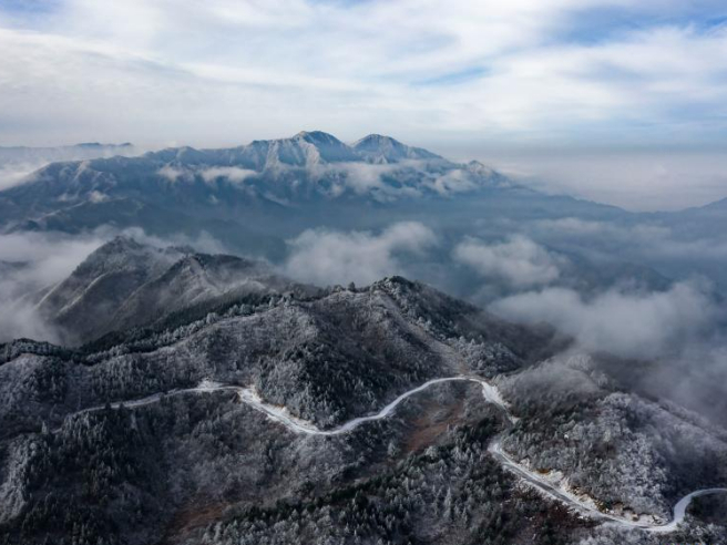 Snow scenery of Huoshan Mountain in east China