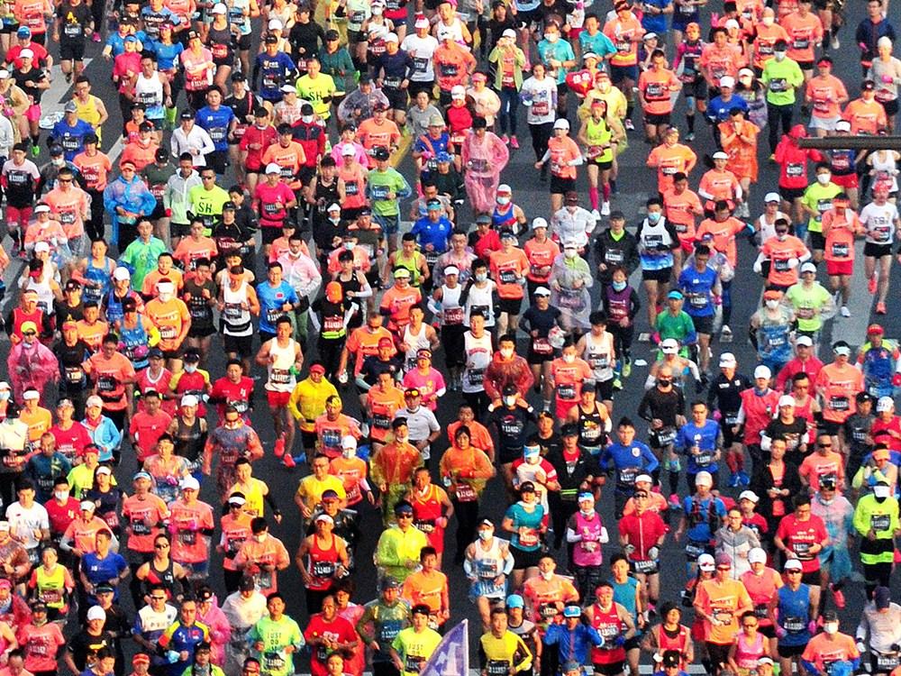 Shanghai International Marathonruns smoothly