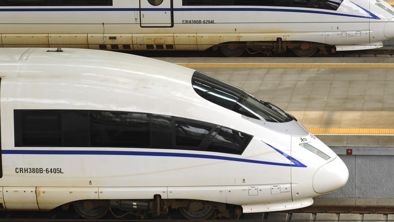 Track laying completed for new high-speed railway in NE China