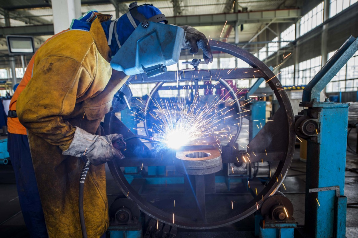 China's manufacturing PMI rises to 52.1 in November