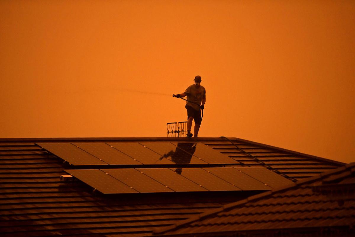 Australia's east coastal states on high alert of bush fire