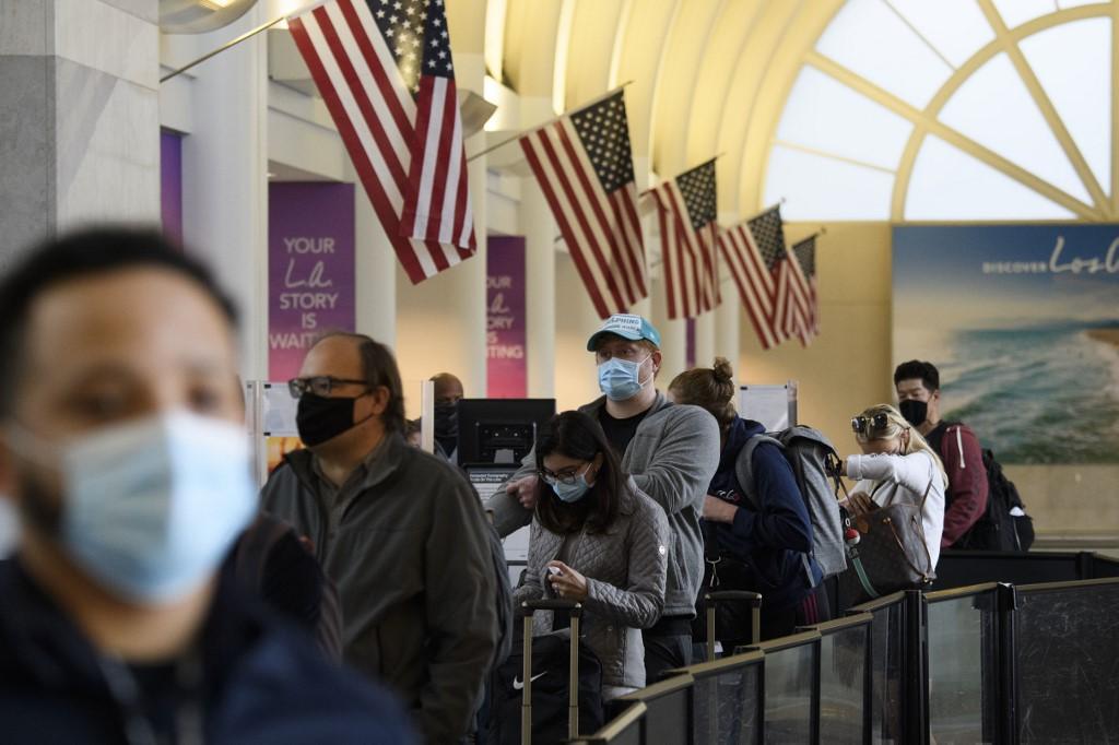 US air travel during Thanksgiving holiday totals 9.5 mln: TSA