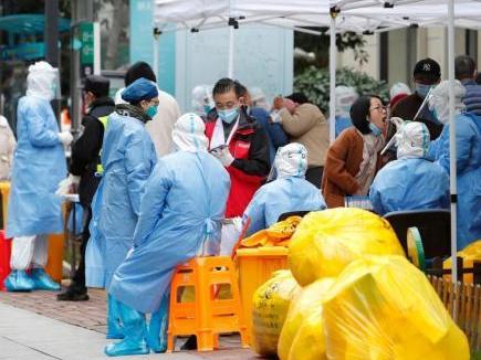 Shanghai neigborhood to have COVID-19 risk level lowered