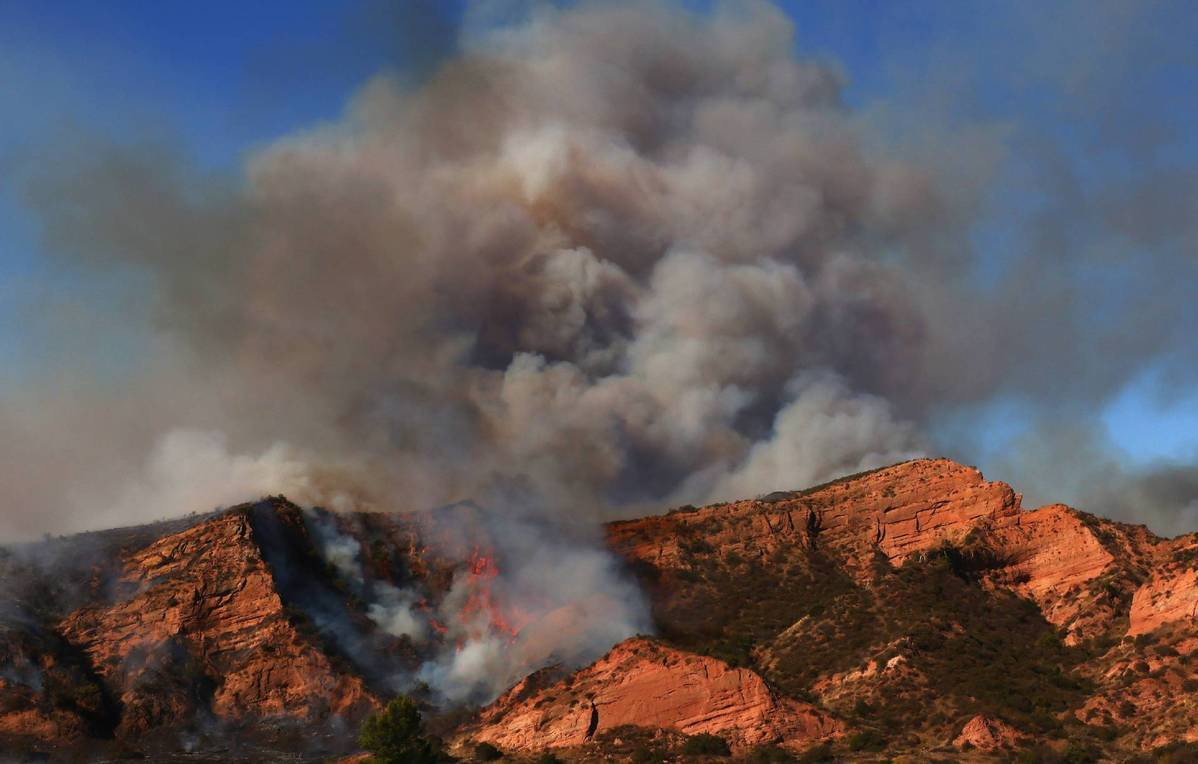 Satellite photos show severe damage from the US's record 2020 wildfire season, study says