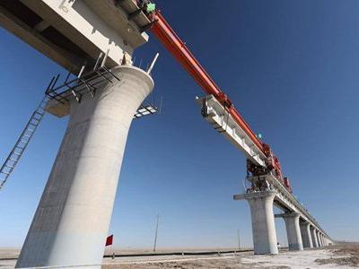 Golmud-Korla railway in Northwest China goes into operation