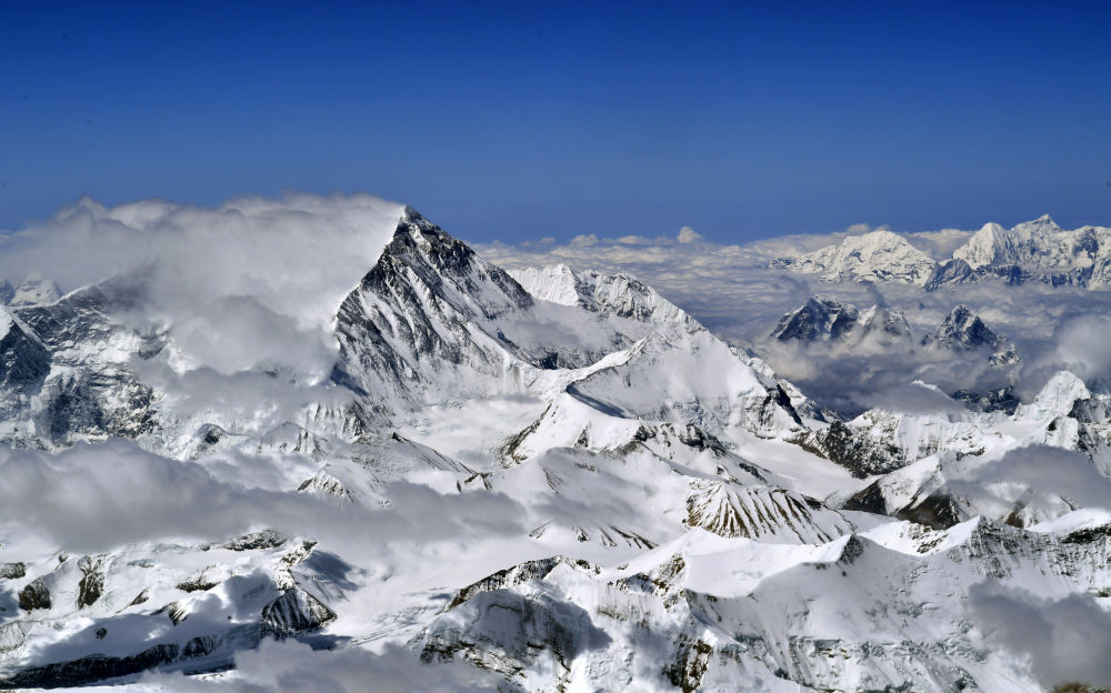 8848.86 meters: China, Nepal jointly declare new height of Mount Qomolangma