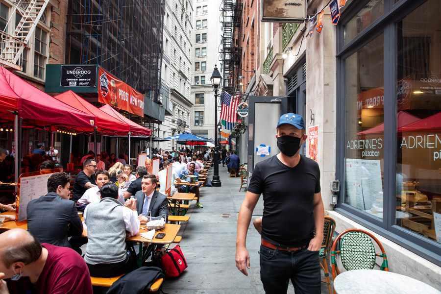 More than 110,000 US restaurants close amid pandemic
