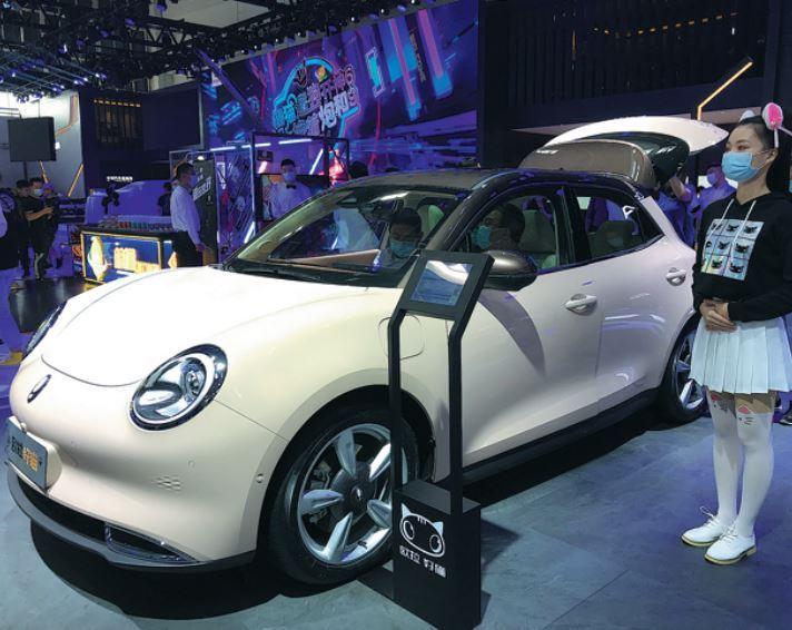 China's passenger car sales up 8% in Nov