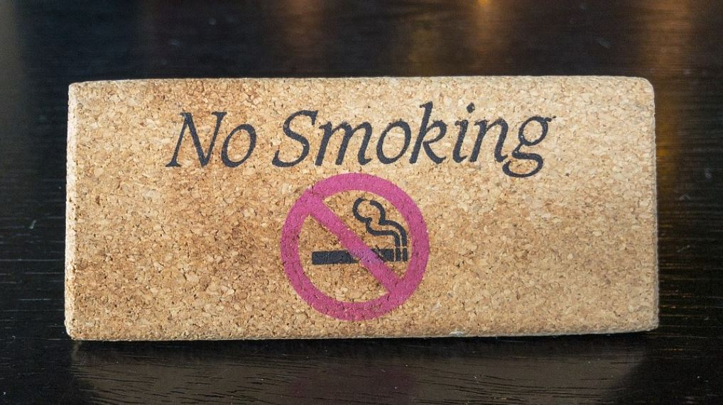 WHO launches global campaign to help 100 million smokers quit habit