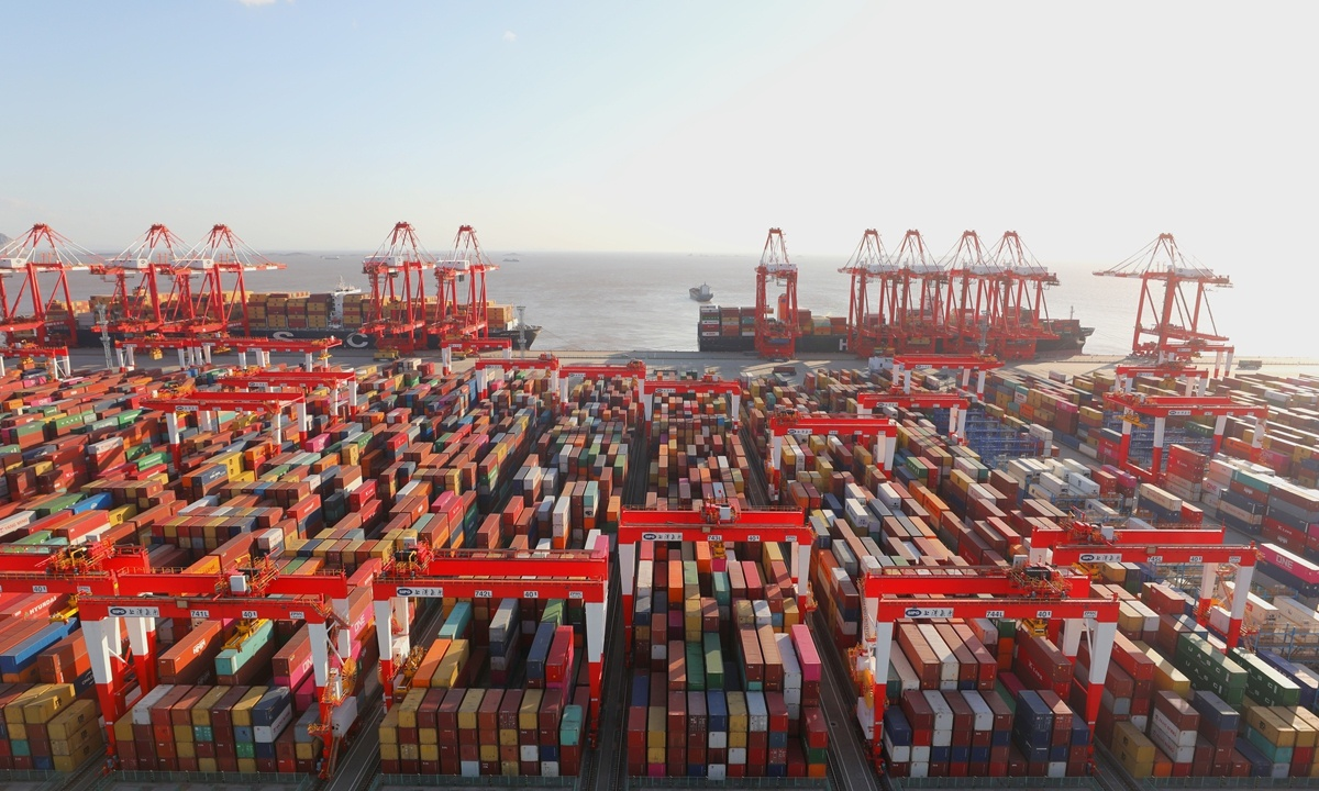 Shanghai's Yangshan port processing 4 million TEUs in first 11 months