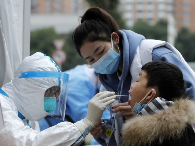 Chengdu to test all residents in virus-hit district