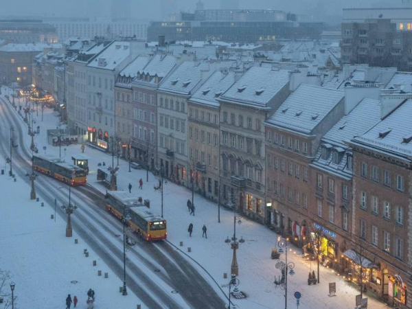First snow of 2020 falls upon Warsaw