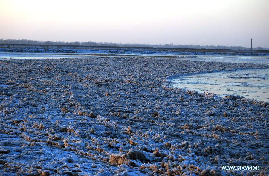 Winter scenery of Yellow River's middle reaches in Dalad Banner, N China