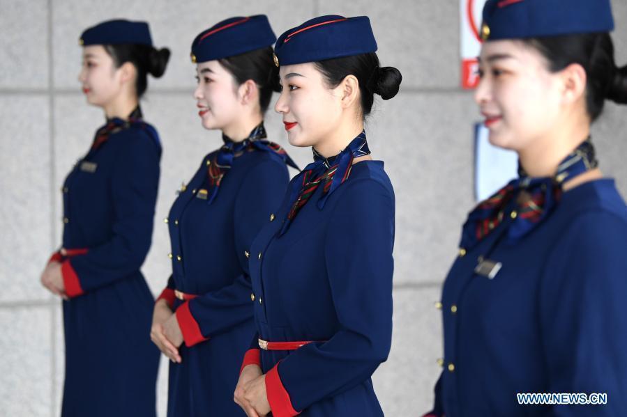 Train crew members attend etiquette training in Ningxia