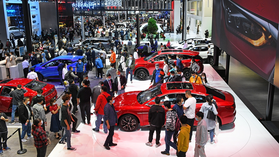 China leads auto industry recovery as sales top expectations