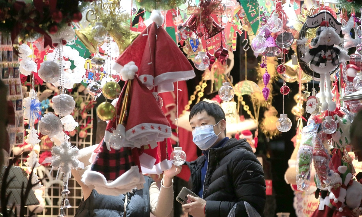 Christmas decorations exported from China face delays due to shipping bottleneck