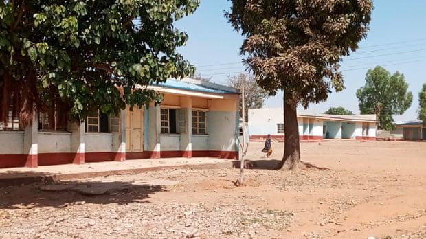 Nigeria school attack: Hundreds missing after raid by gunmen