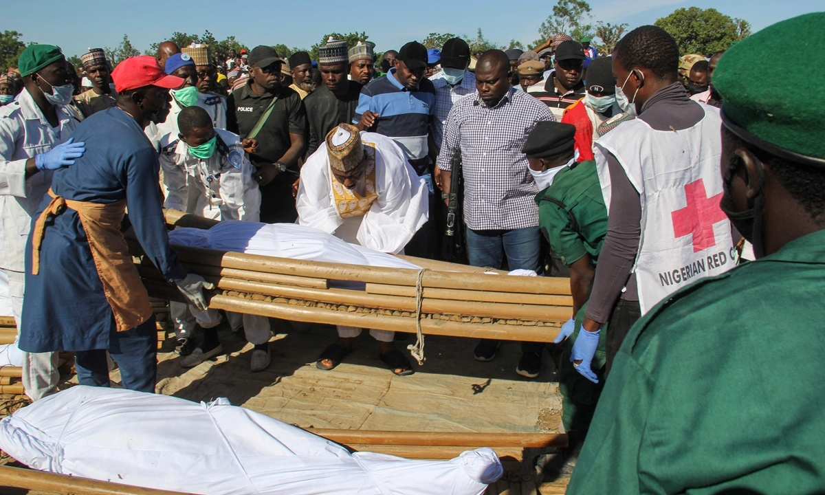 Nigeria steps up rescue efforts for abducted 520 students by gunmen