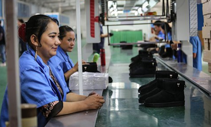 Assisting employment is not forced labor, Chinese FM said in response to smears against Xinjiang
