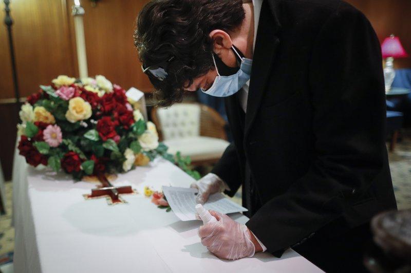 US COVID-19 deaths top 300,000: Johns Hopkins University